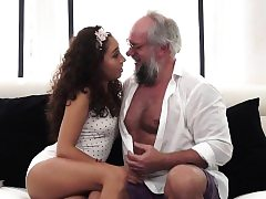 Teen babe rides oldmans cock before deepthroating