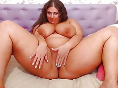 Chubby Cam Girl with Gigantic Titties Juggling (no sound)