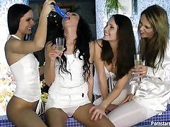 Lesbo hook-up in jacuzzi